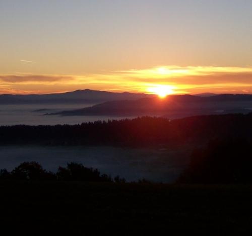 Sonnenuntergangs-Bergwanderung mit Übernachtung